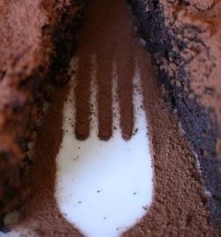 jemanden durch den Kakao ziehen © Flickr/ truth82