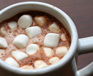 Heiße Schokolade mit Marshmallows