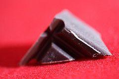 Schokoladenstück; Flickr By-ND © Chocolate Reviews
